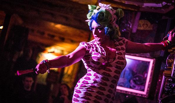 slide5_cabaret_gallery.jpg